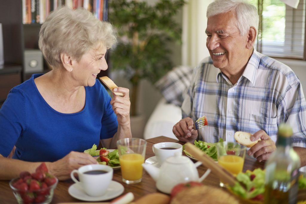 seniors eating independently, mealtime aids