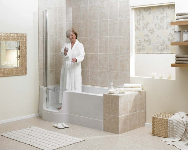 Walk In Tubs For The Elderly And Disabled Avacare Medical Blog