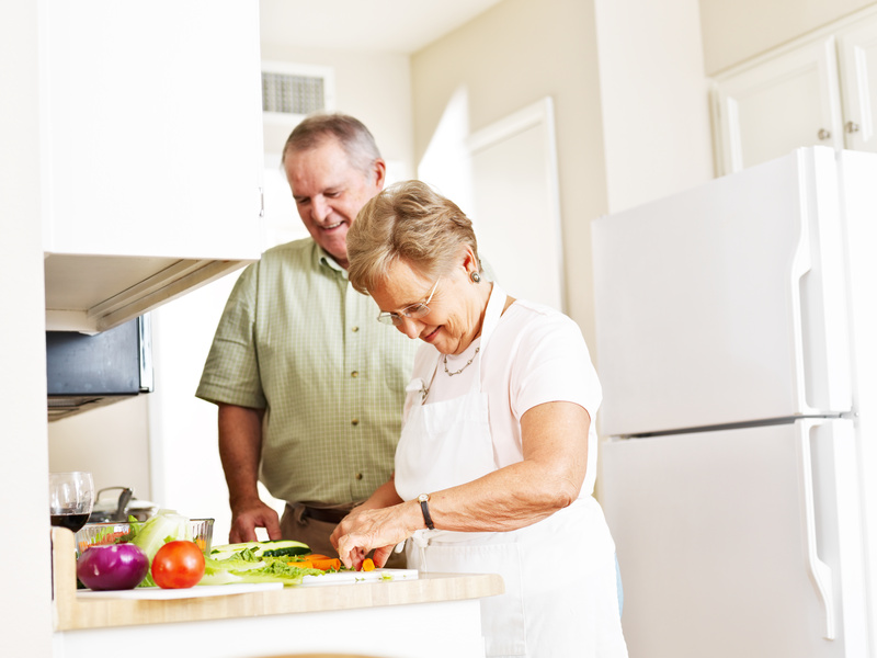 How Holistic Health & Nutrition Can Benefit Seniors