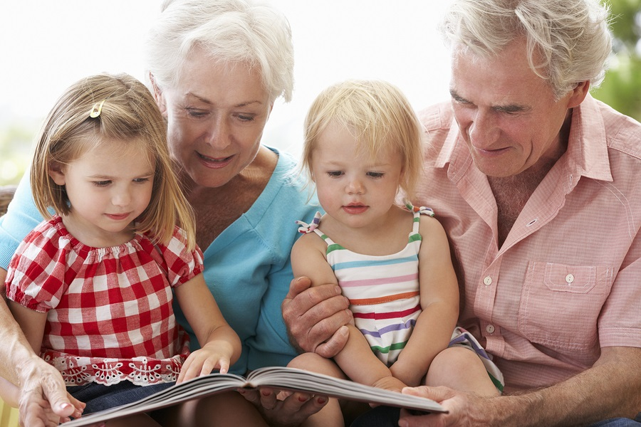 5 Ways for Seniors With Limited Mobility to Connect With Grandchildren